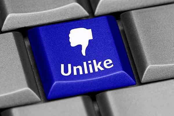 Nur Facebook wird öfter negativ als positiv gesehen
