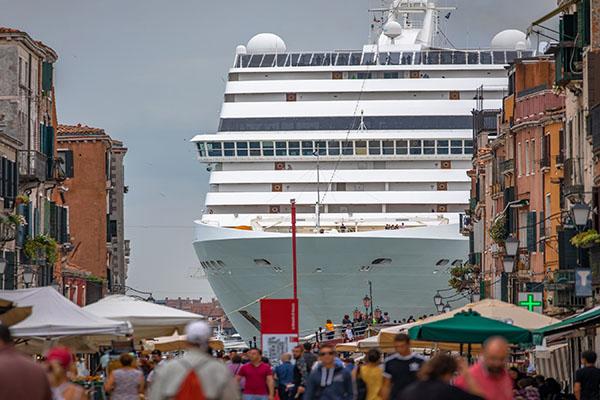 Kreuzfahrt-Boom: Urlaub auf hoher See