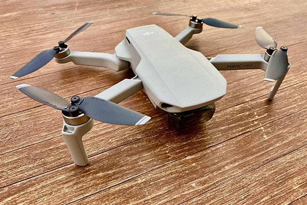 Starke Drohne mit guter Kamera zum guten Preis