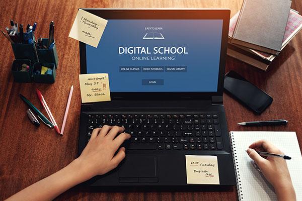 Jeder 2. lernt bereits digital