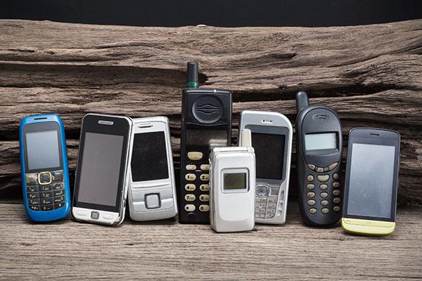 Deutsche bunkern fast 200 Millionen Alt-Handys