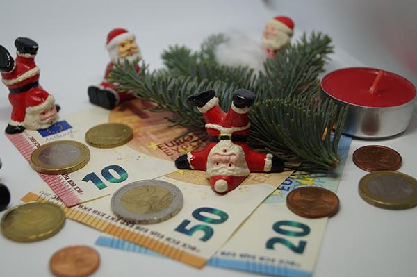 87,4 % der Tarifbeschäftigten erhielten 2020 Weihnachtsgeld