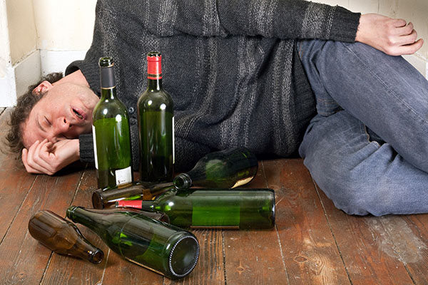 14.500 Kinder und Jugendliche waren im Jahr 2019 wegen akuten Alkoholmissbrauchs im Krankenhaus