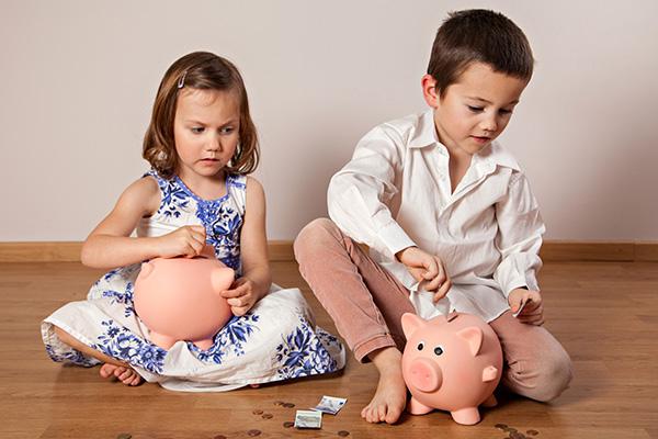 Mädchen bekommen weniger Taschengeld als Jungen