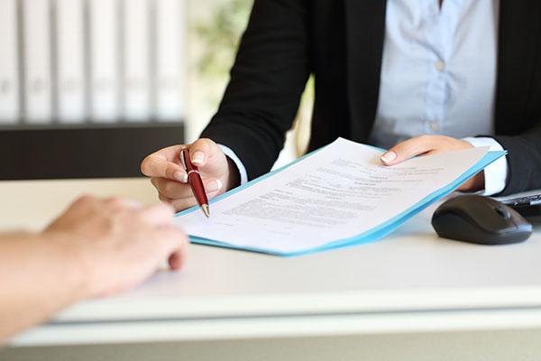 Was gehört in den Ausbildungsvertrag (und was nicht)?