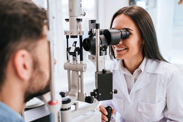 Ausbildung Augenoptiker