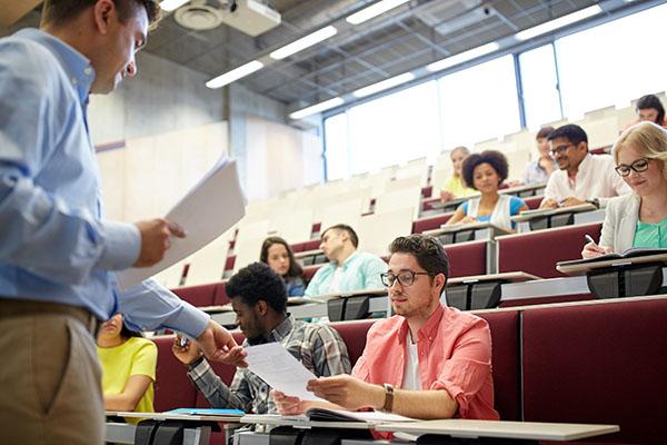Gaststudierende an Hochschulen 2019: -0,5 % zum Vorjahr